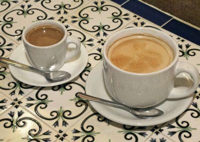 Cafe con leche & Cortadito